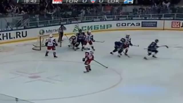 """'2., 1:0  Тюляпкин выводит """"Торпедо"""" вперёд"""