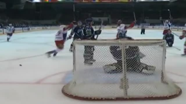 "33'., 2-3. Кронвалль выводит ""Локомотив"" вперед"