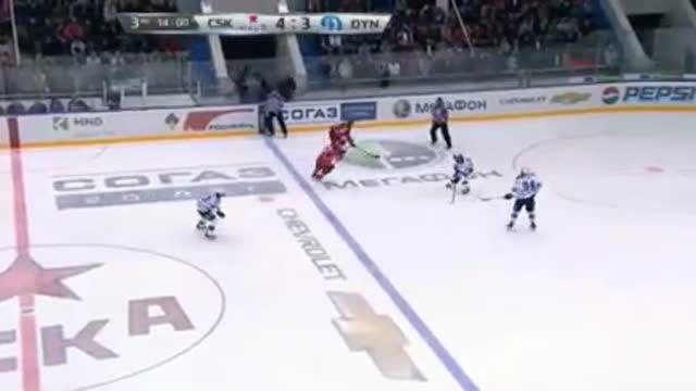 Видео. 5:3 Сапрыкин (ЦСКА) забрасывает шайбу в ворота